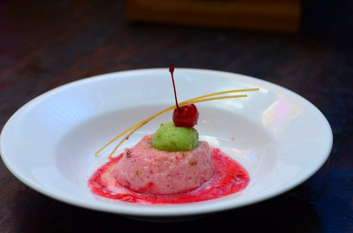 Yoghurt_Mousse_with_Chilli_Rasgolla