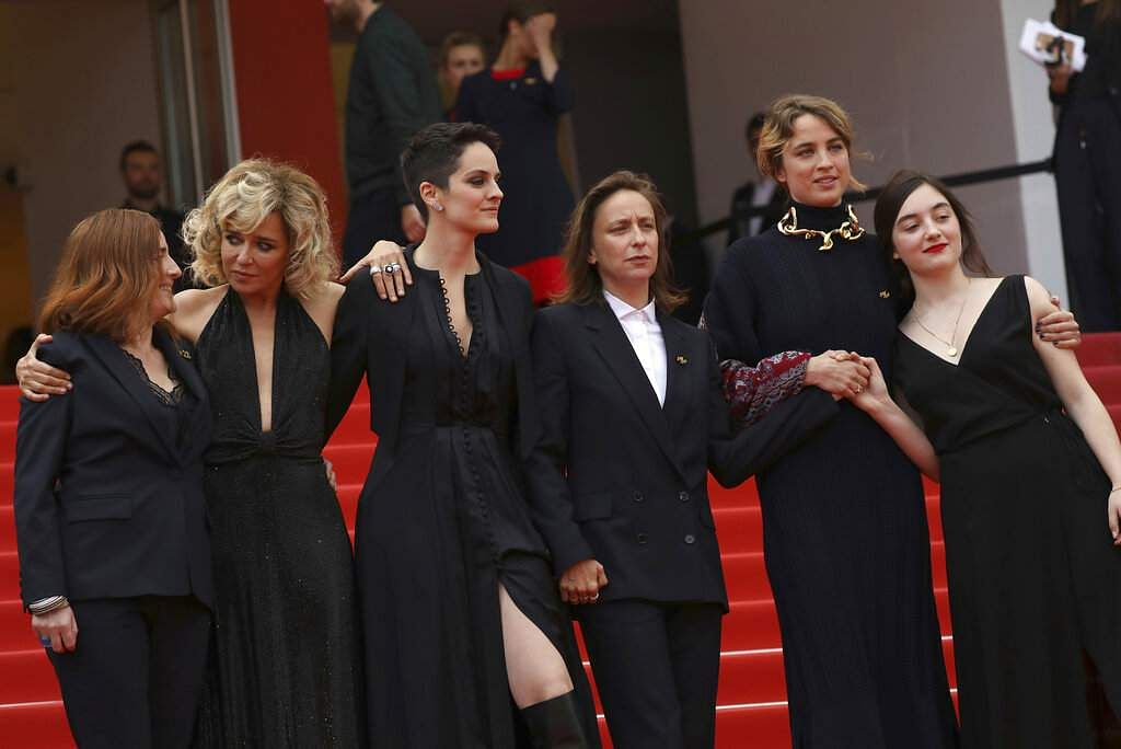 Benedicte Couvreur, Valeria Golino, Noemie Merlant, director Celine Sciamma, Adele Haenel and Luana Bajrami at the premiere of 'Portrait of a Lady on Fire'. (Photo by Vianney Le Caer/Invision/AP)