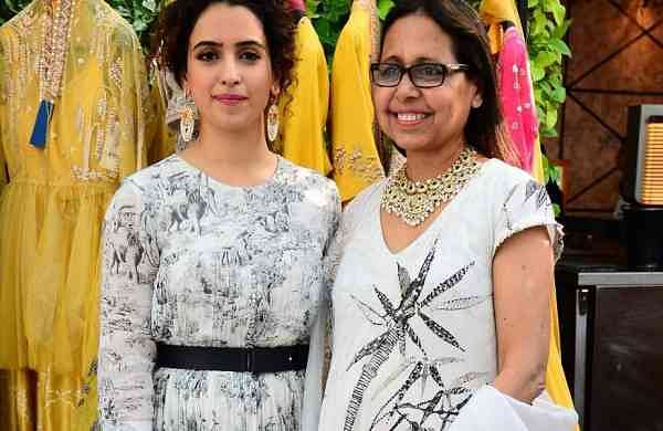 Sanya_Malhotra_with_Anju_Modi_at_the_Preview_of_ANju_Modi_X_Tyaani_by_Karan_Johar_(2)