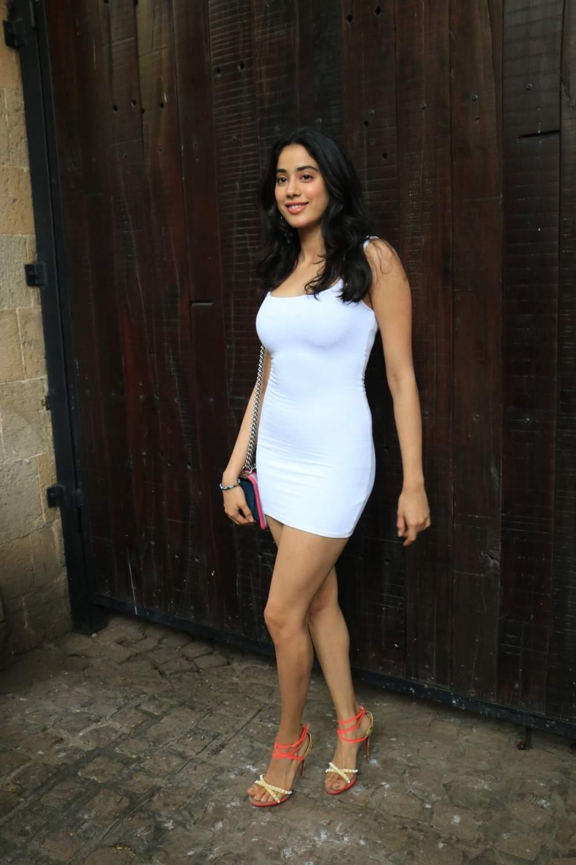 Actress Janhvi Kapoor arrive to attend actress Sonam Kapoor's birthday party at Anil Kapoor's house in Mumbai on June 9, 2019. (Photo: IANS)