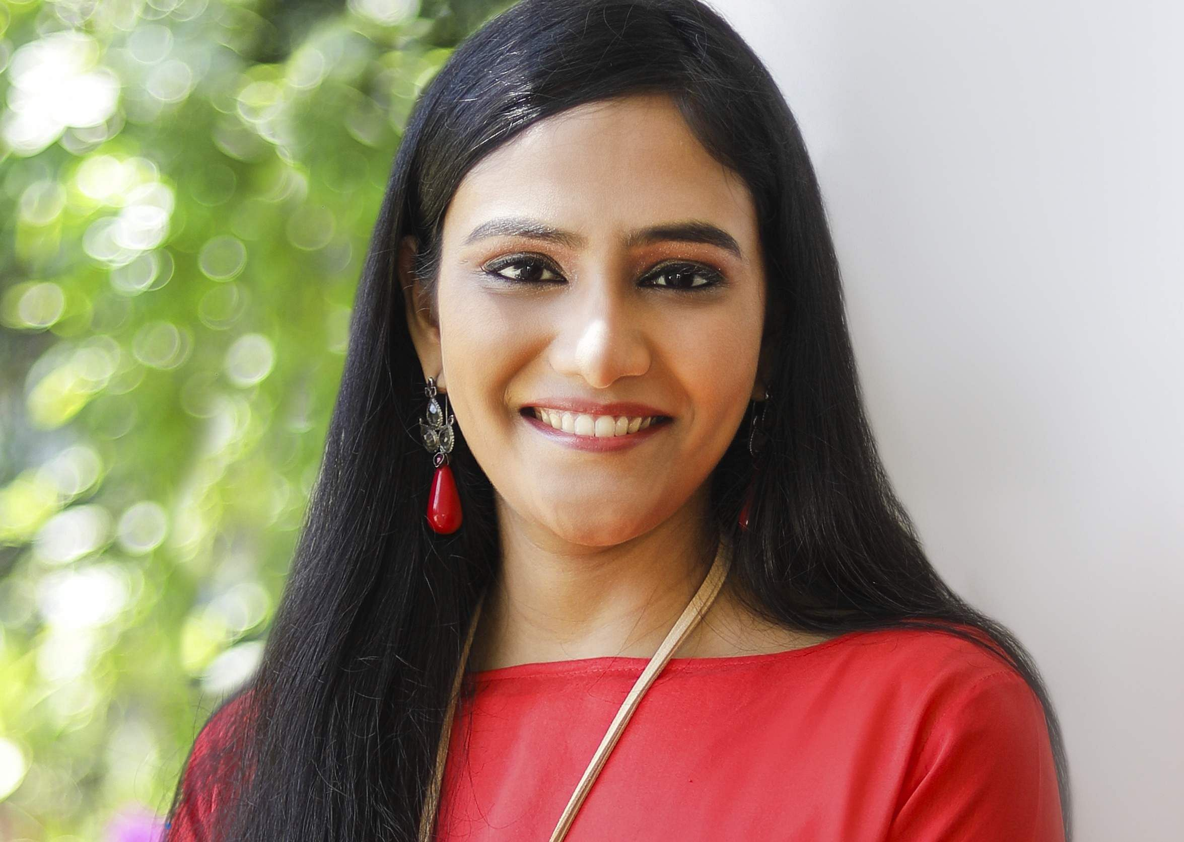 Arya Rajam launches her newest book, A Dual-Dragoned Throne,