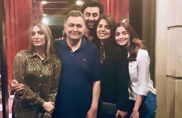 See pictures: Alia Bhatt poses for pictures with Ranbir Kapoor's family
