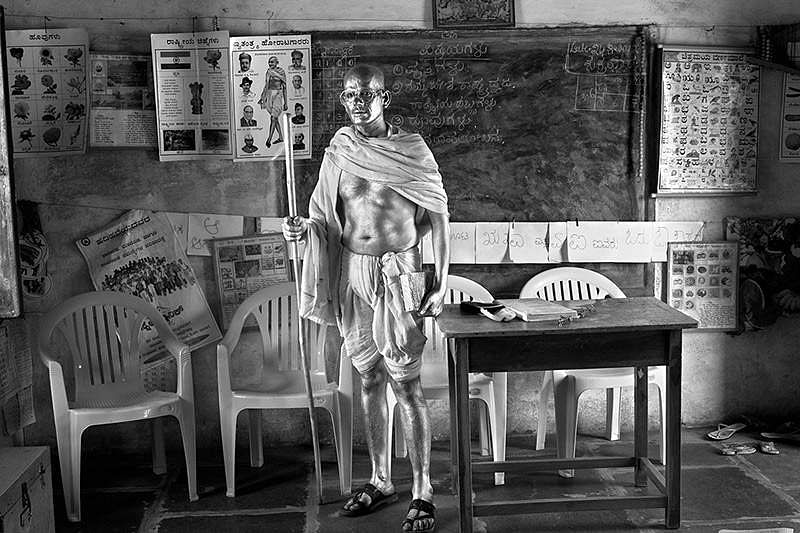 Cop Shiva, Being Gandhi 23, Hahnemuhle Photo Rag Bright White paper, 24 x 16.5 ins. (Source: Art Heritage Gallery)