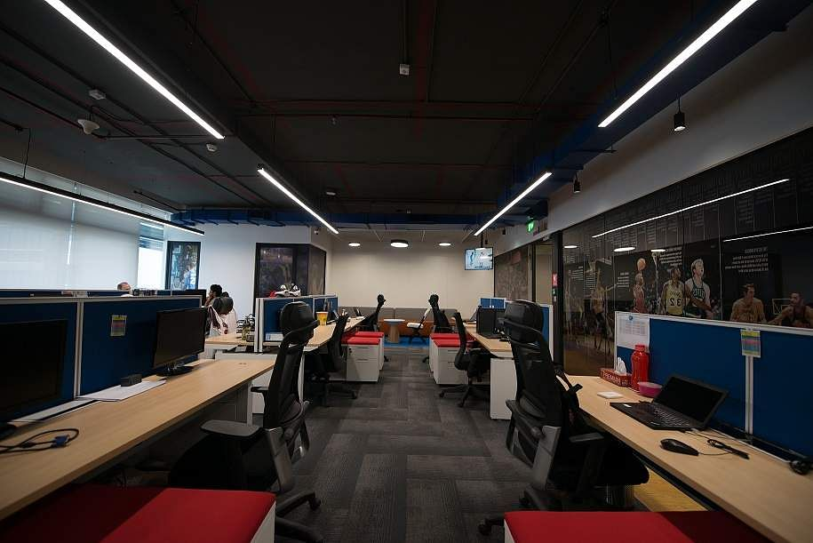 Slam dunk with NBA India! Here's an insider view of their new workspace at Bandra Kurla Complex, Mumbai. NBA Office - Work Space Area.