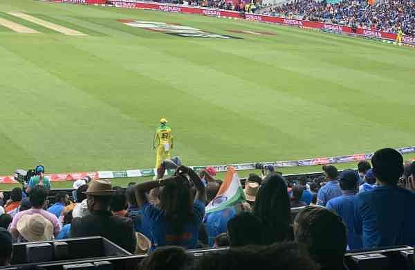 Steve Smith at the boundary line