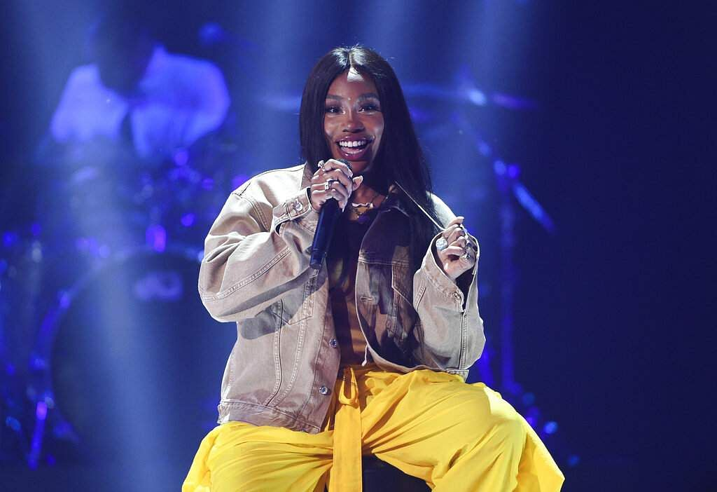 Singer SZA performs at Amazon Music's Prime Day concert at the Hammerstein Ballroom on Wednesday, July 10, 2019, in New York. (Photo by Evan Agostini/Invision/AP)