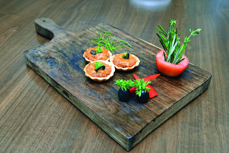 Taj Connemara Indian buffet