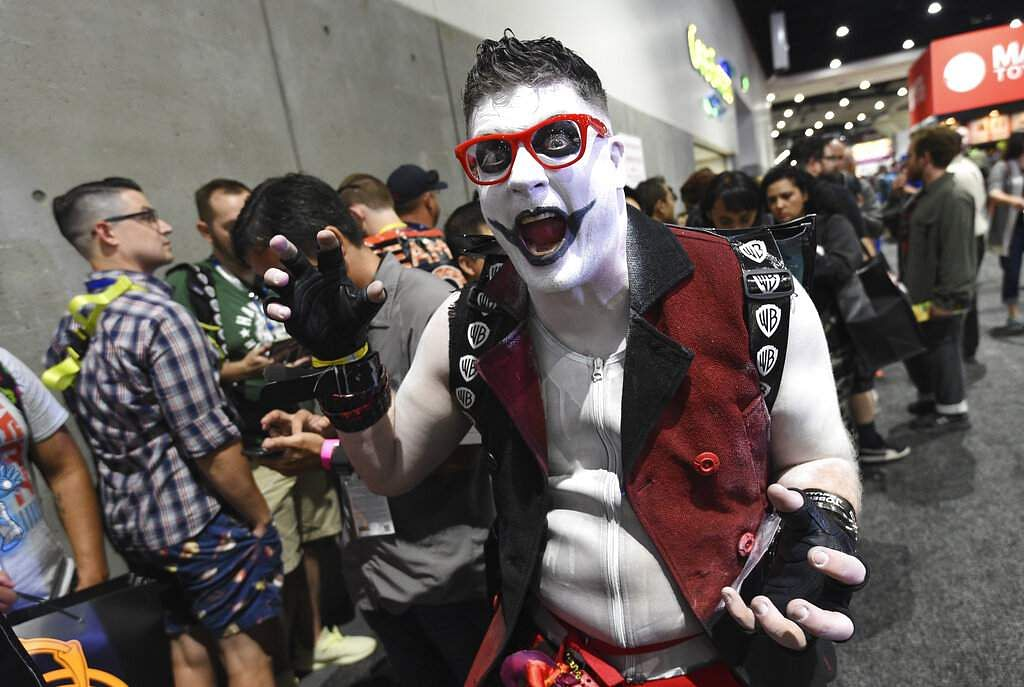 Mike Brown dressed as Harvey Quinn, a gender-bending spin on Harley Quinn from the 2016 film Suicide Squad at the 2019 Comic-Con International: San Diego. (Photo by Chris Pizzello/Invision/AP)