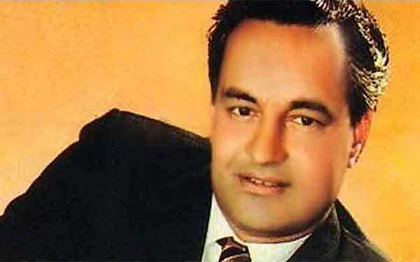 know-about-some-interesting-things-on-his-b-day-singer-mukesh-1500719412