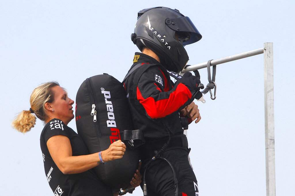 Franky Zapata, 'Le Rocketman', a 40-year-old inventor, and his wife Krysten prepare a training flight over the Saint Inglevert airport near Calais, Northern France. (Photo/Michel Spingler)