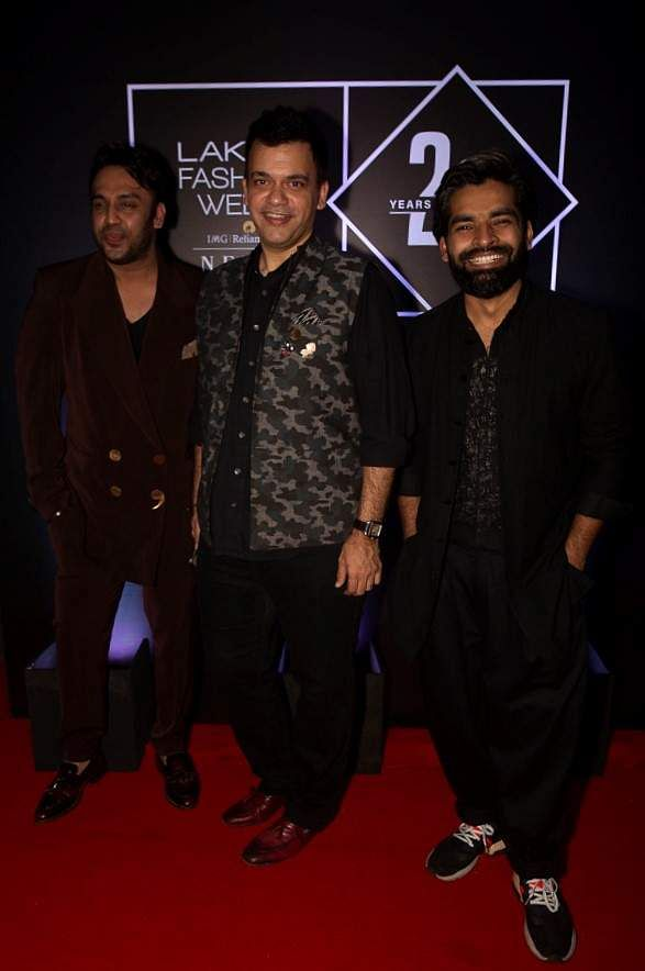 Pic_7-_Designers_Nikhil_Thampi,_Nachiket_Barve_and_Ujjwal_Dubey_at_Lakmé_Fashion_Week_20_years'_celebration