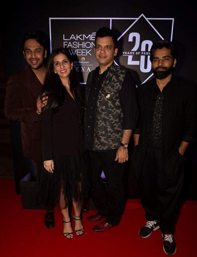 Pic_8-_Designers_Nikhil_Thampi,_Nishka_Lulla,_Nachiket_Barve,_Nikhil_Thampi_and_Ujjawal_Dubey_at_Lakmé_Fashion_Week_20_years'_celebration