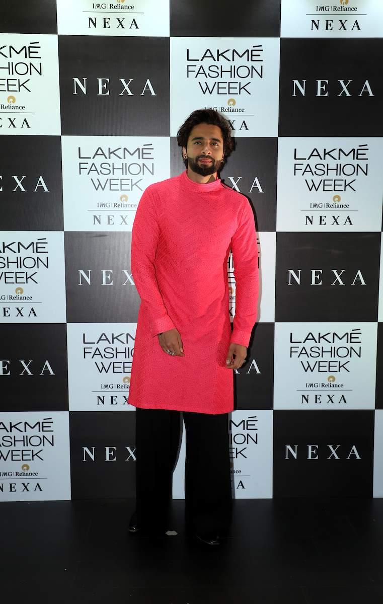Jackky_Bhagnani_at_Lakme_Fashion_Week_2019