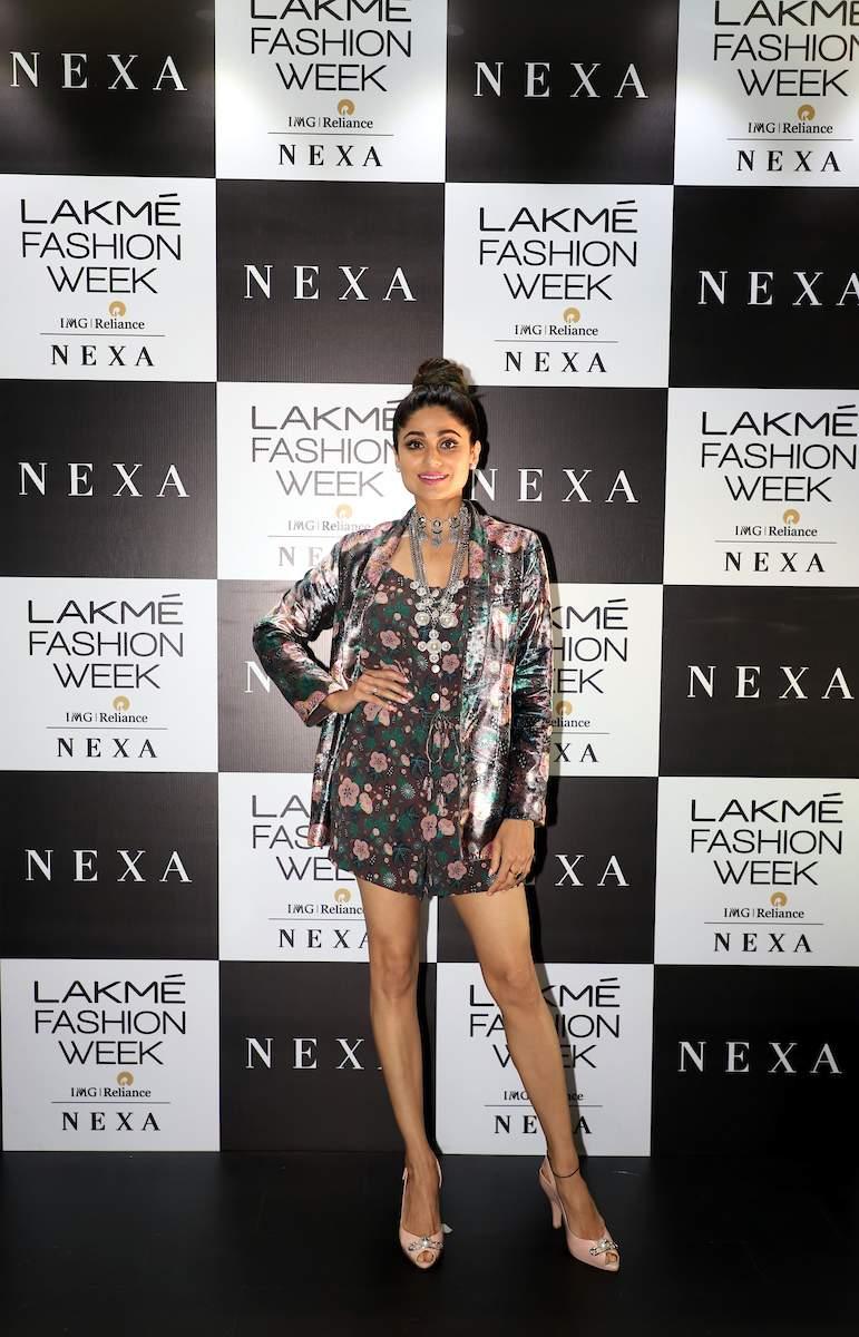 Shamita_Shetty_at_Lakme_Fashion_Week_2019