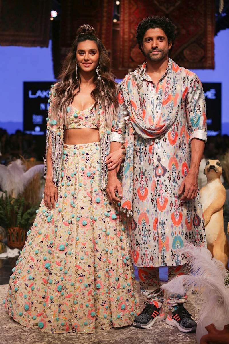 Shibani_Dandekar_and_Farhan_Akhtar_at_Lakme_Fashion_Week_2019