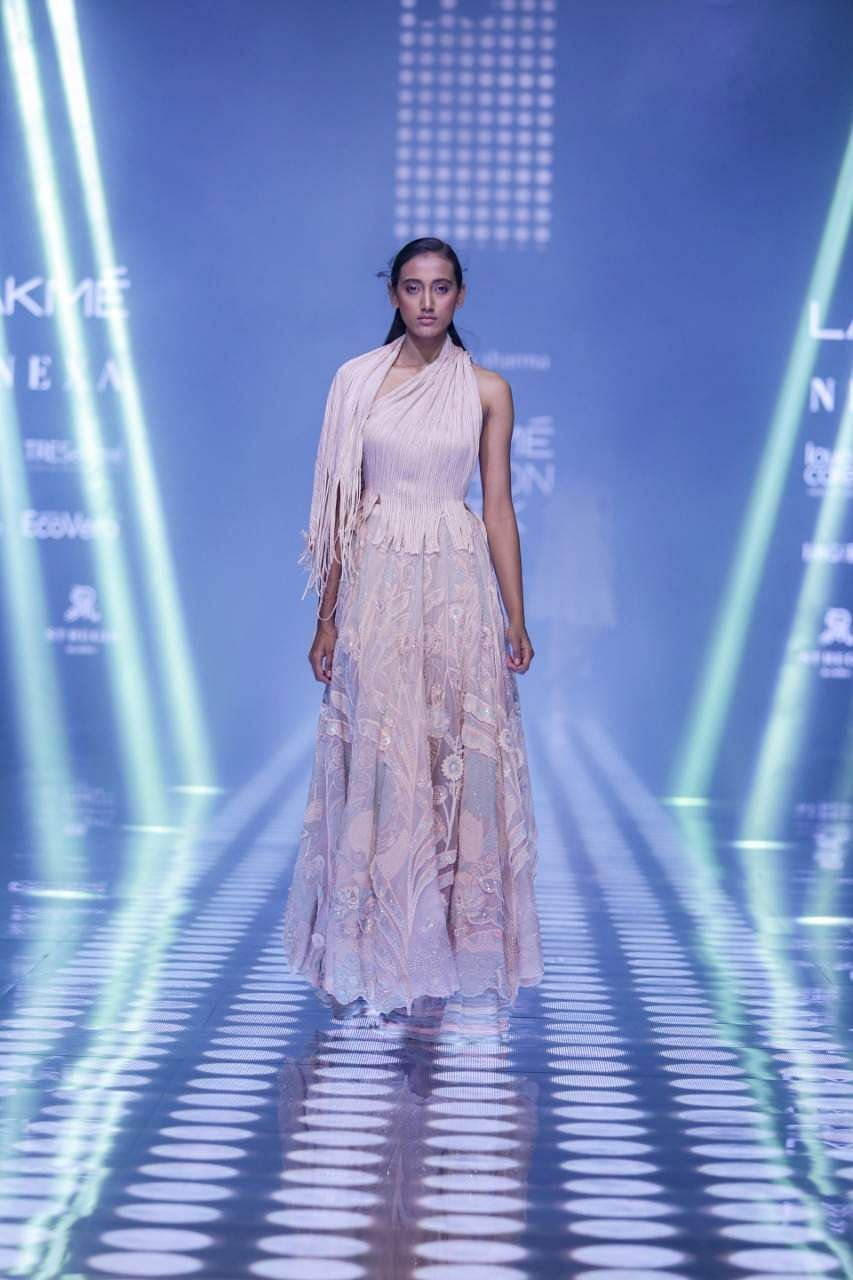 Abhishek_Sharma_at_LFW_WF_2019