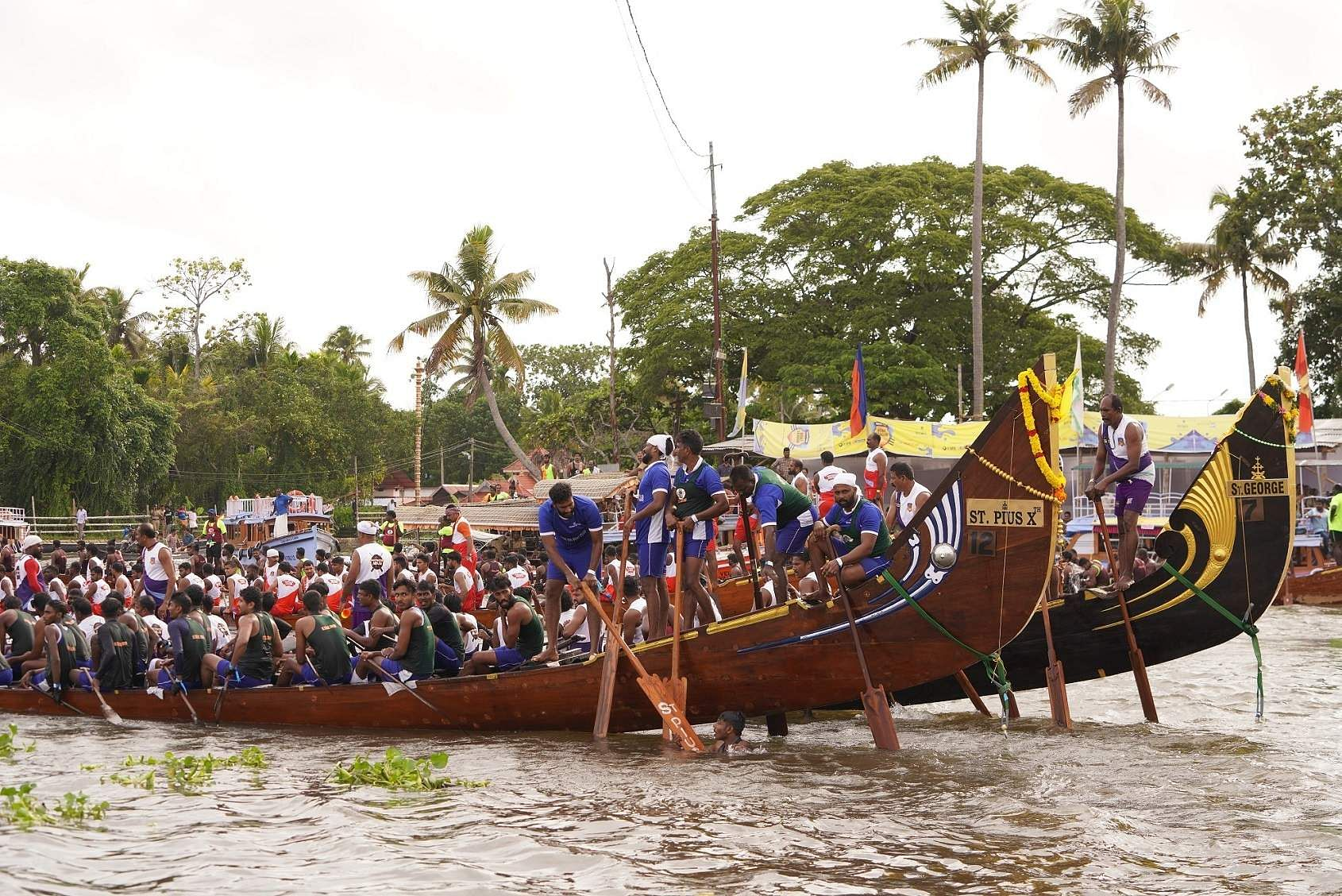 The three-month event got off to a racy start at the sprawling Punnamada Lake in Alappuzha.