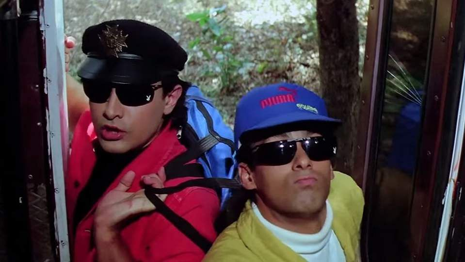 Still from Andaz Apna Apna (Source: Internet)