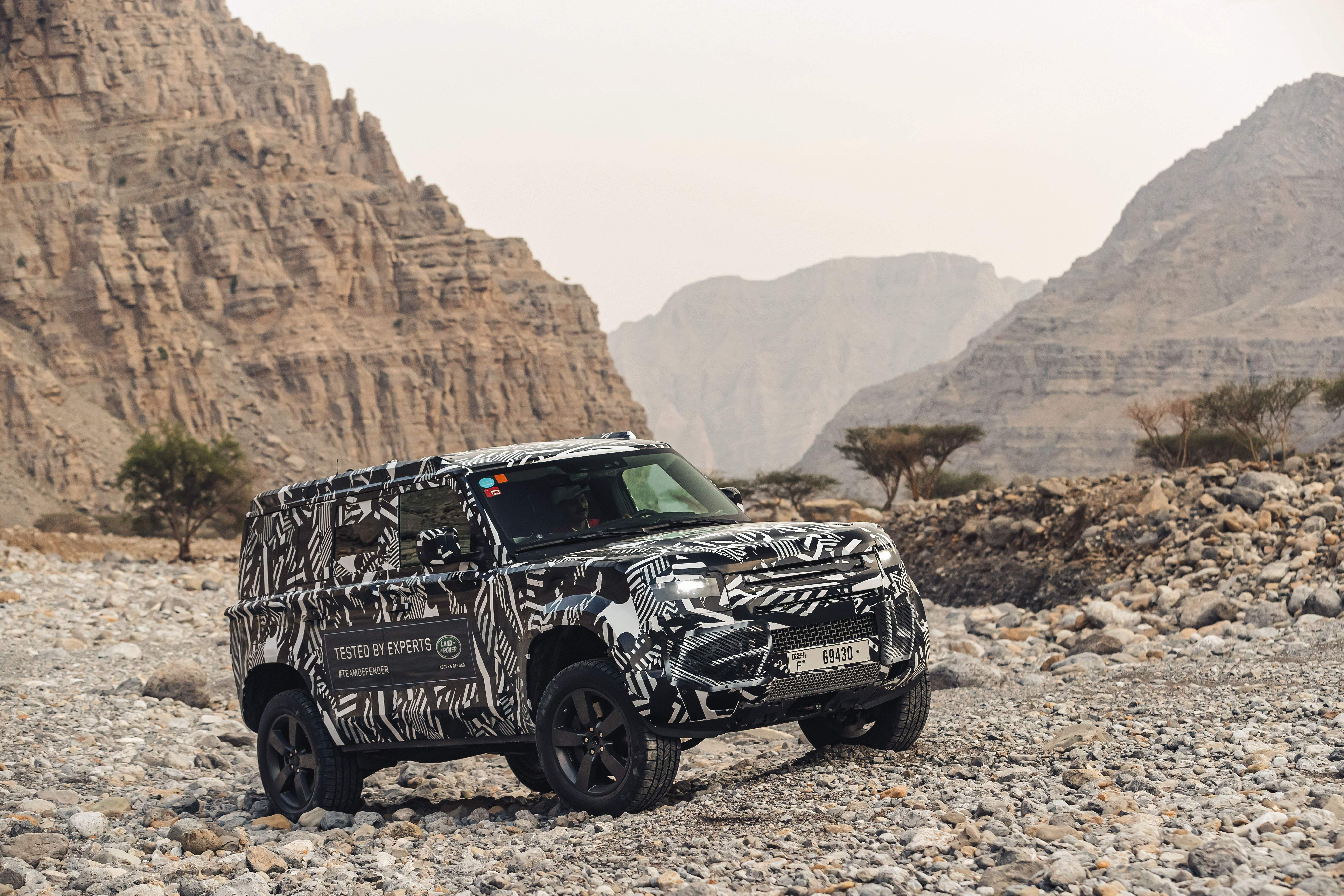 Land_Rover_Defender_Prototype_(1)