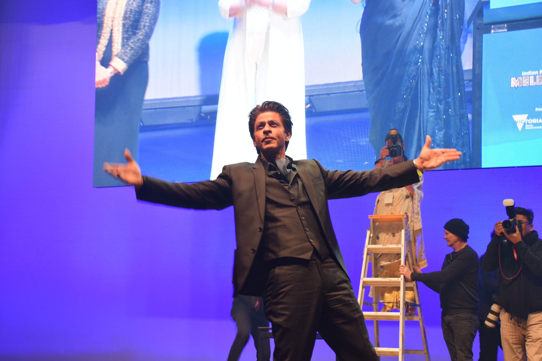 SRK_entertains_Australian_fans