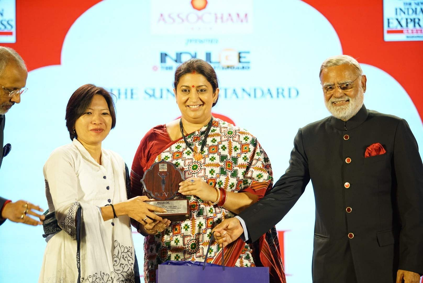 DIY cleanliness influencer and environmentalist Temsutula Imsong receives some much-deserved recognition from the honourable minister and Mr Chawla