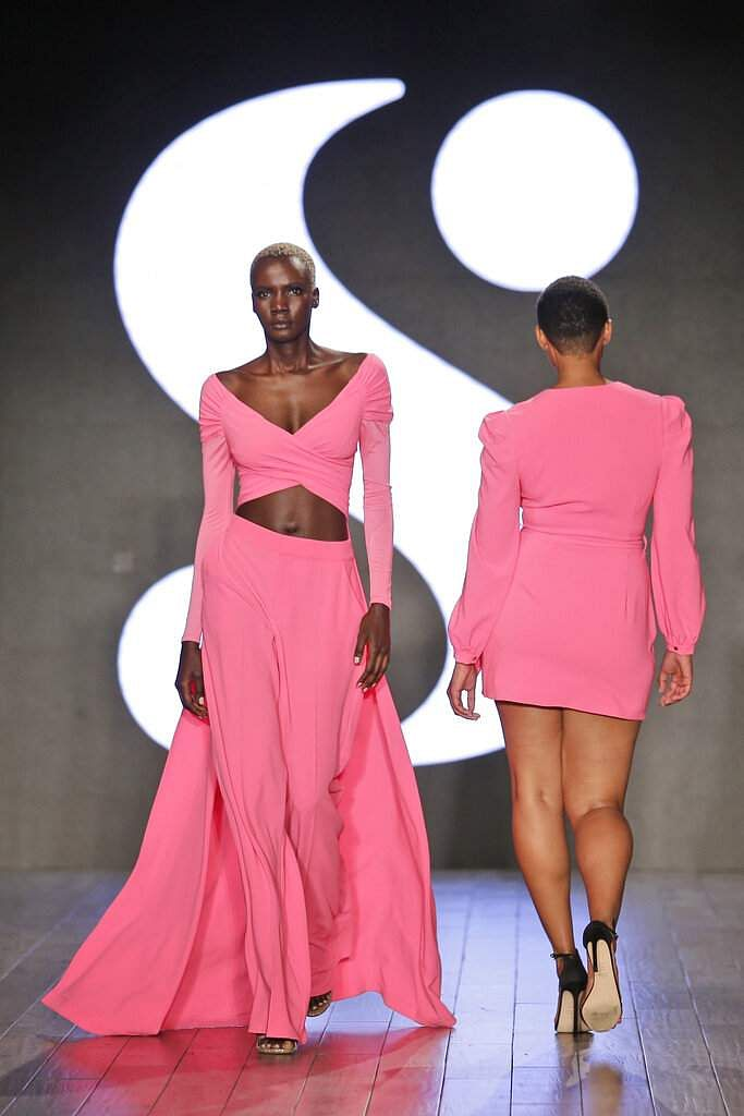 Modesl wear clothes by Serena Williams during Fashion Week in New York, Tuesday, Sept. 10, 2019. (AP Photo/Seth Wenig)