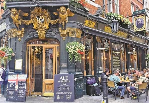 A pub in London (Photo: Atreyo Mukhopadhyay)