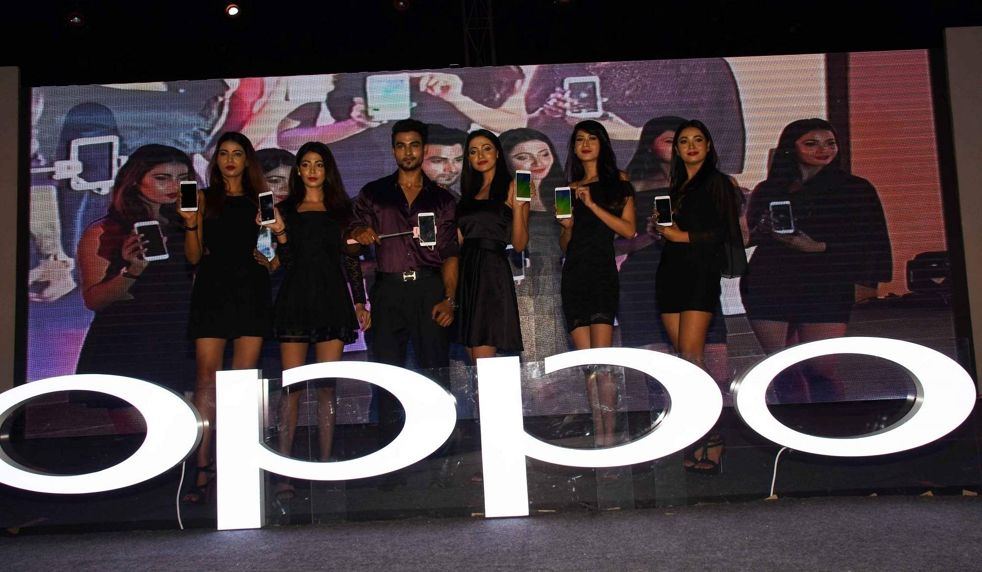 OPPO launches F15
