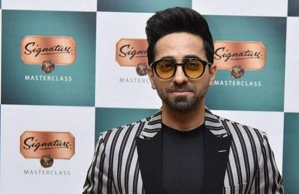 Ayushman_Khurana_at_the_Signature_Masterclass_Kolkata_2