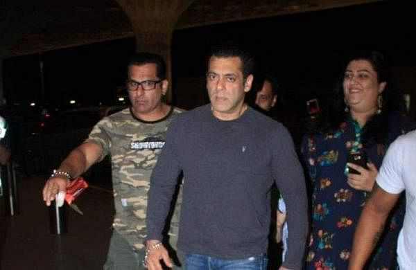 Salman Khan snatches away phone from fan who tries to take selfie, video goes viral