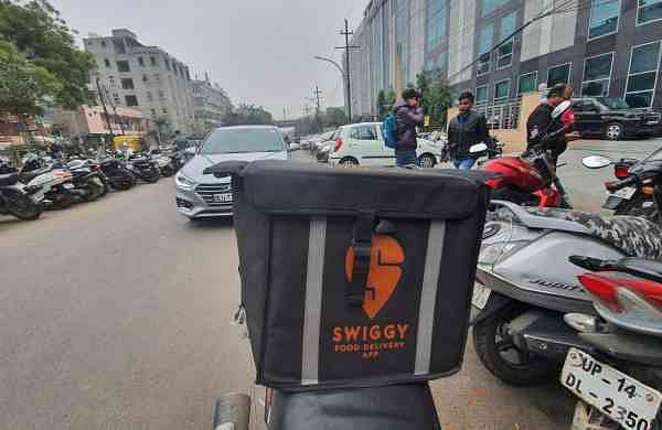 Fake food shops on Swiggy, Zomato; users in distress (Source: IANS)