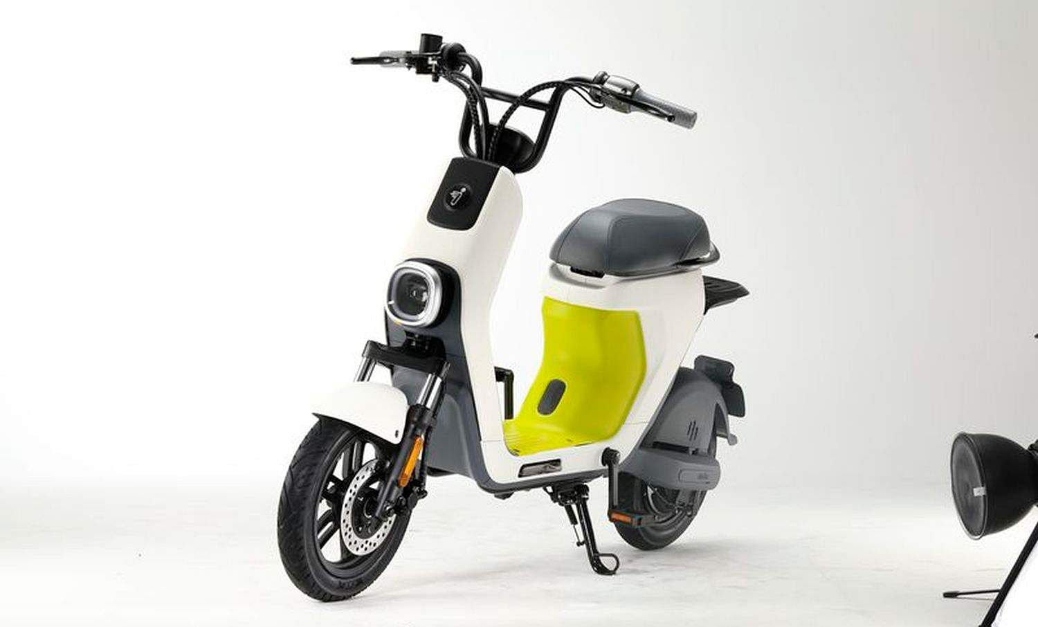 Segway E-moped: Segway-Ninebot's E-Moped is small, compact and goes upto 26kph. Highly customisable, upto 4,000+ colour combination. Li-Ion batteries swappable with upto 75 km range. Available 2020.