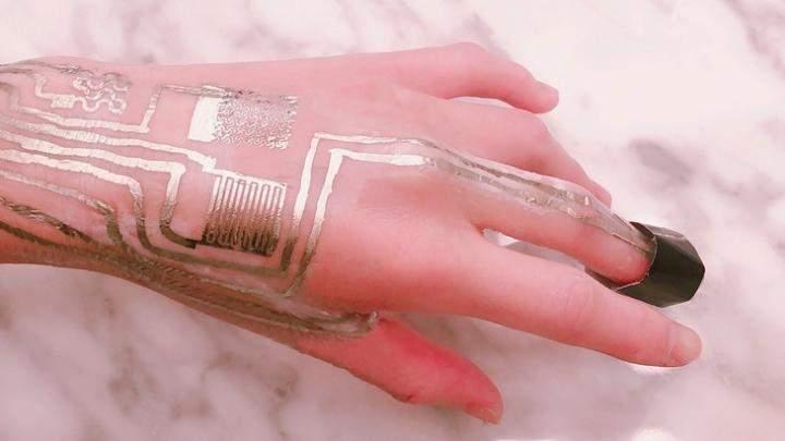 Wearable electronics sensors. Image used for representation