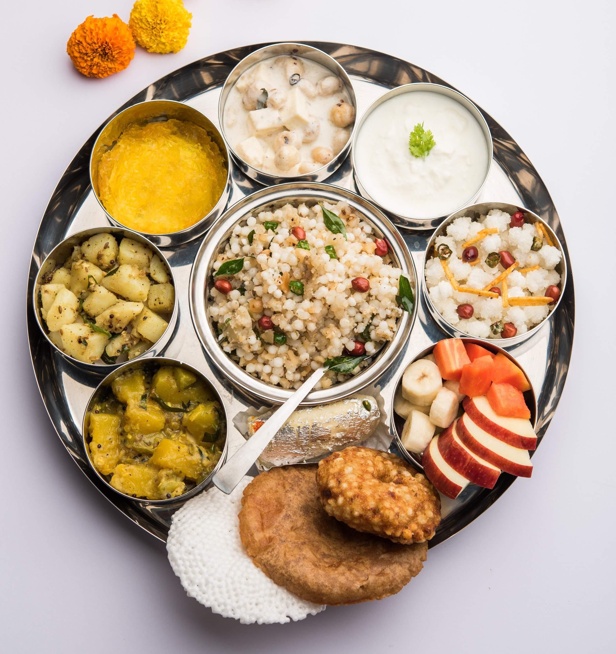 Navratri_Thali_at_Ssaffron,_Shangri-La_Hotel_Bengaluru