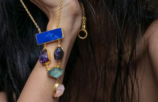 blue_beauty_neckpiece_by_Cynthia
