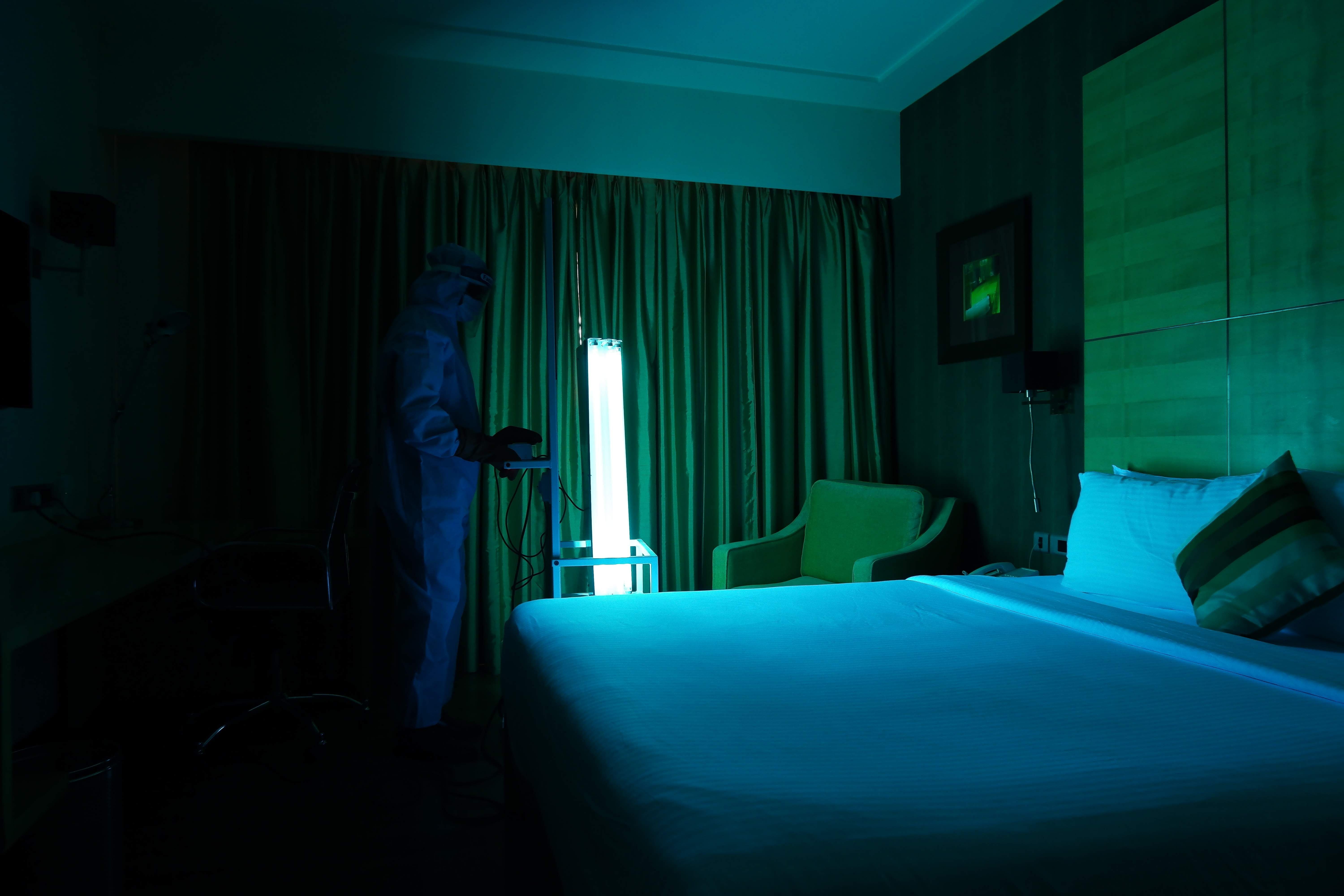 UV_trolley_at_NHA_-_used_in_a_guest_room