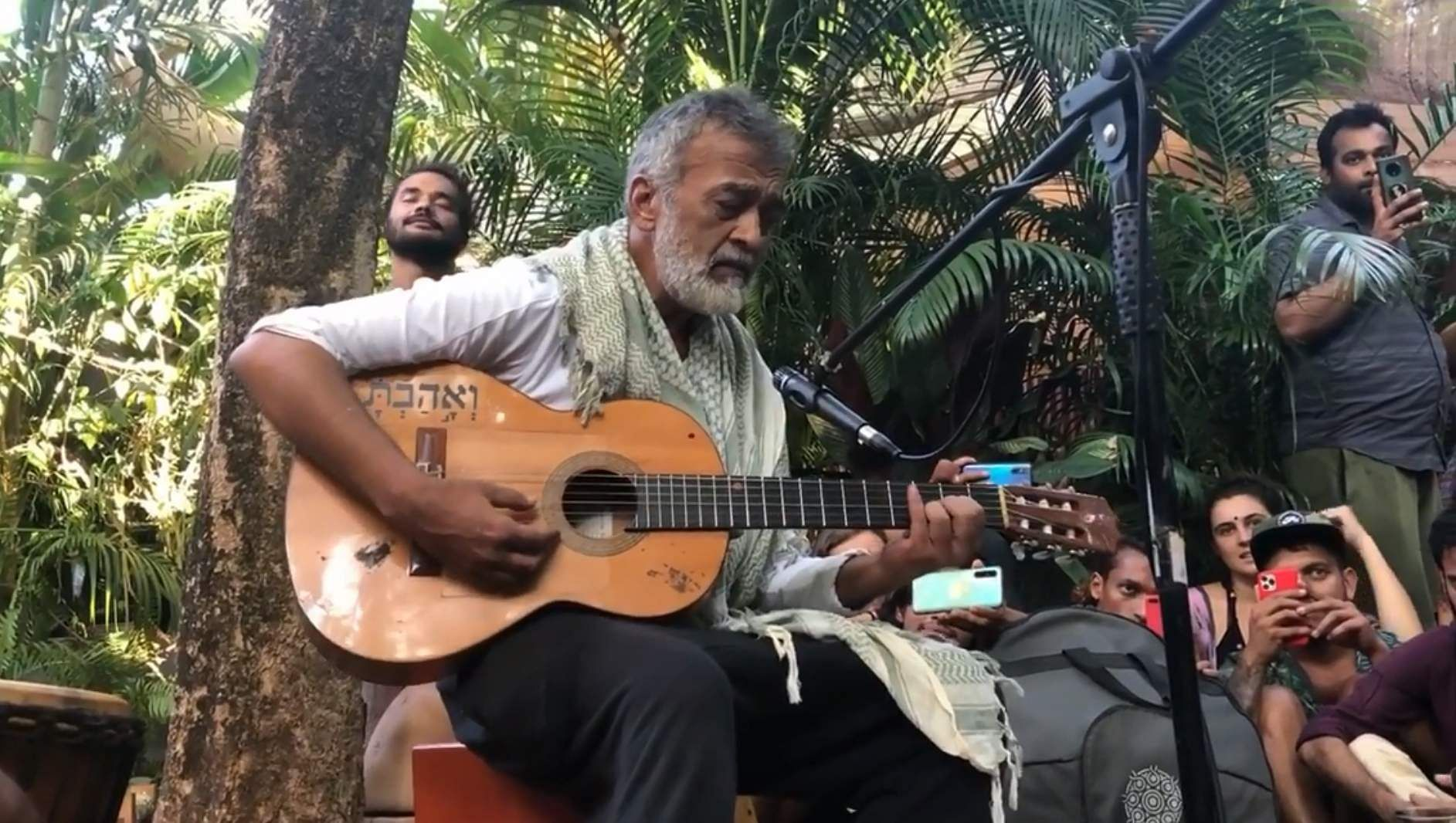 Lucky Ali surprises fans with his impromptu performance in Goa; video goes viral