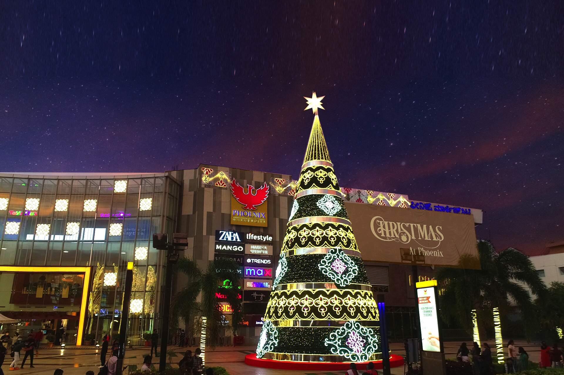 Christmas Tree at Phoenix MarketCity