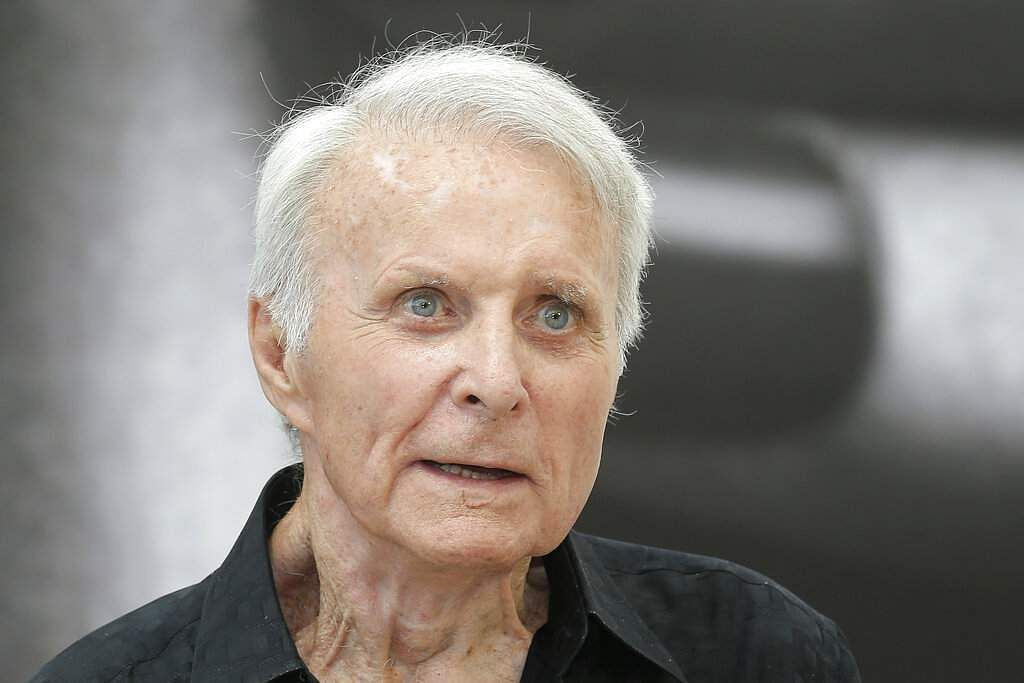 Robert Conrad (AP Photo/Lionel Cironneau)