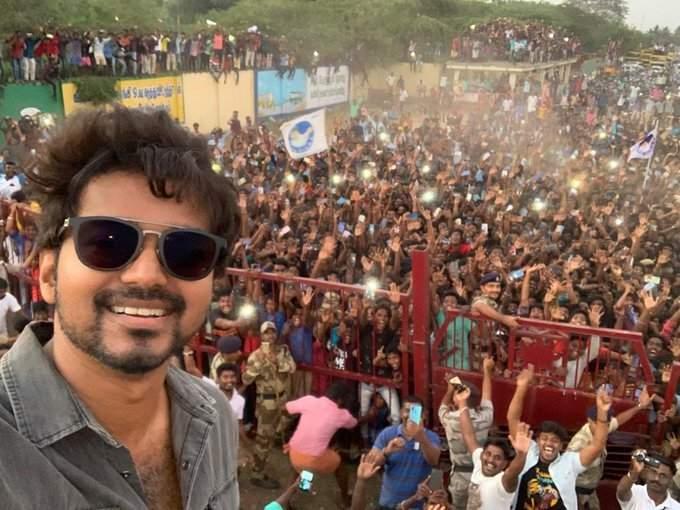 Vijay's selfie goes viral (Photo: IANS)