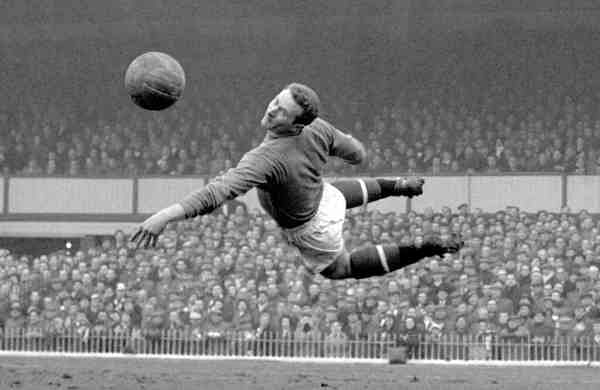 March 22, 1958 file photo: Manchester United goalkeeper Harry Gregg (PA via AP)