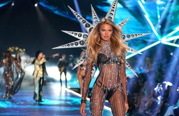 Victoria's Secret criticised for waste generation after store dumps hundreds of lingerie in bin