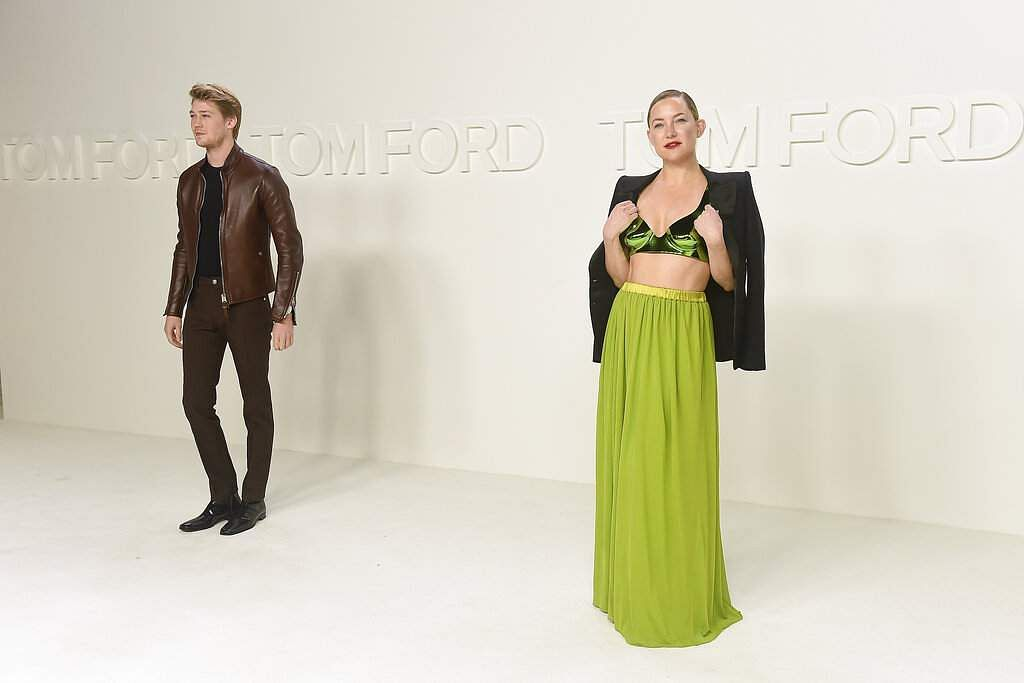 Kate Hudson and Joe Alwyn attend the Tom Ford show at Milk Studios during NYFW Fall/Winter 2020 on Friday, Feb 7, 2020, in Los Angeles. (Photo by Jordan Strauss/Invision/AP)