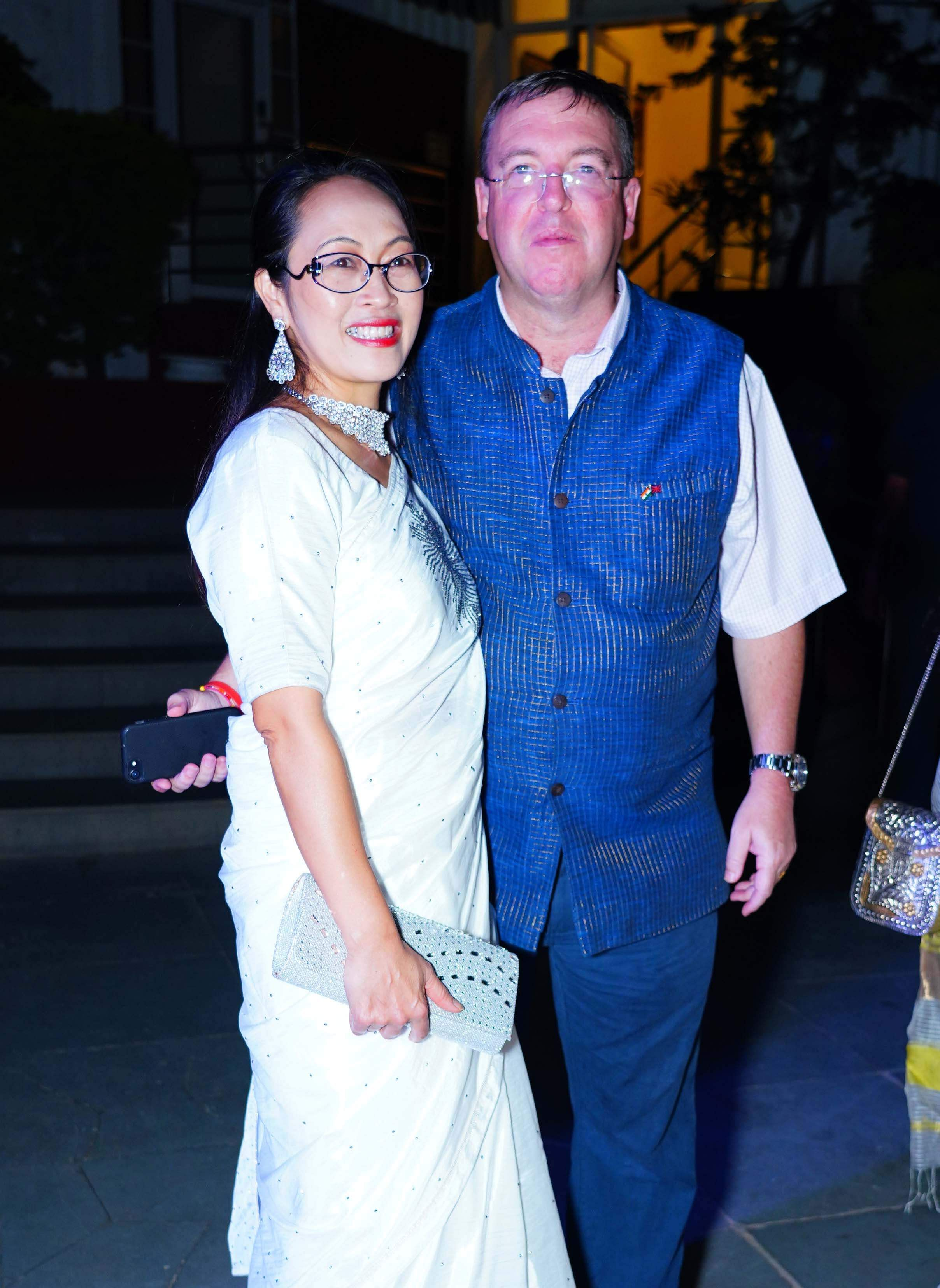 Andrew_Fleming_with_his_wife