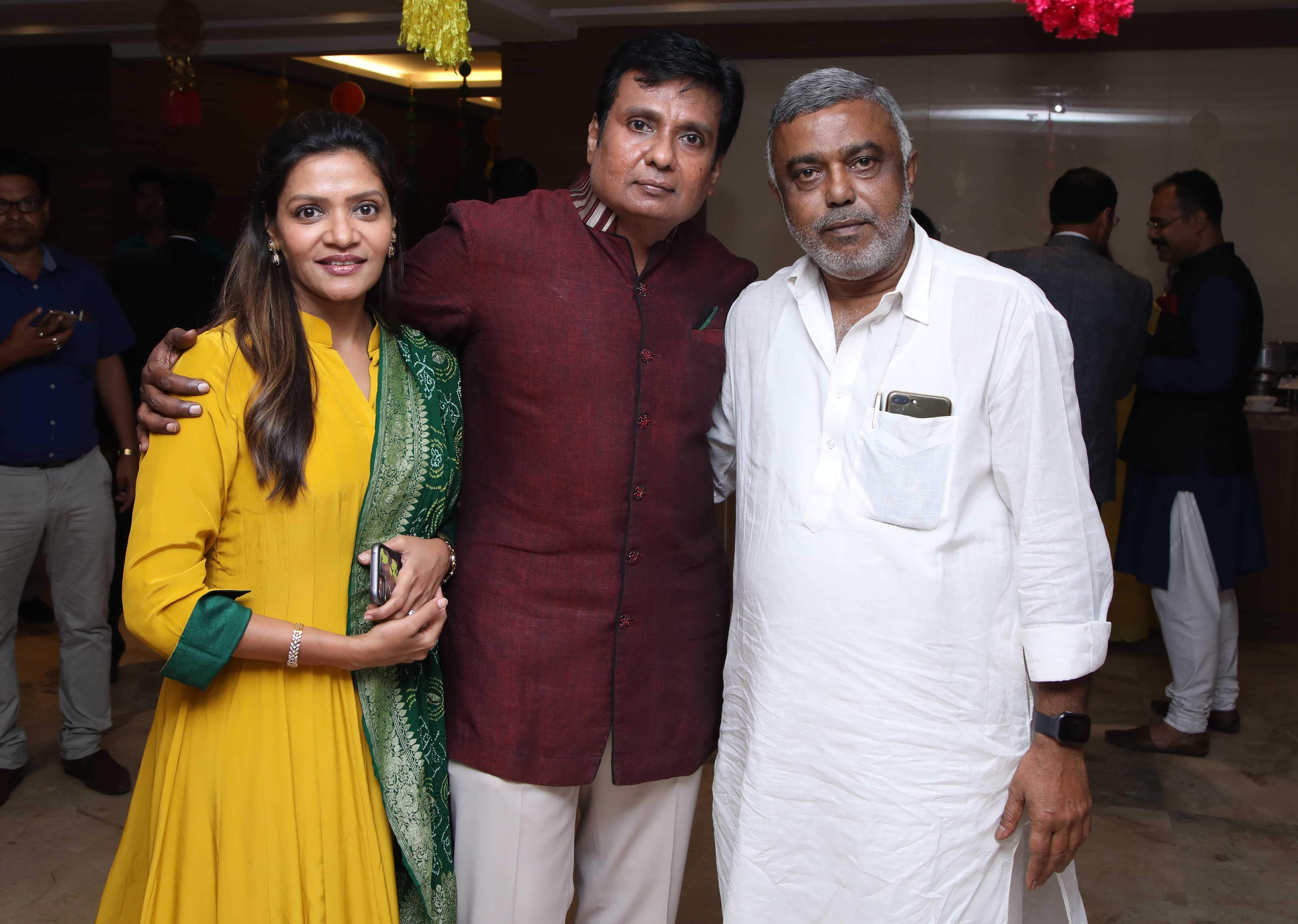 Rina,Pranay_Poddar,Debasish_Kumar