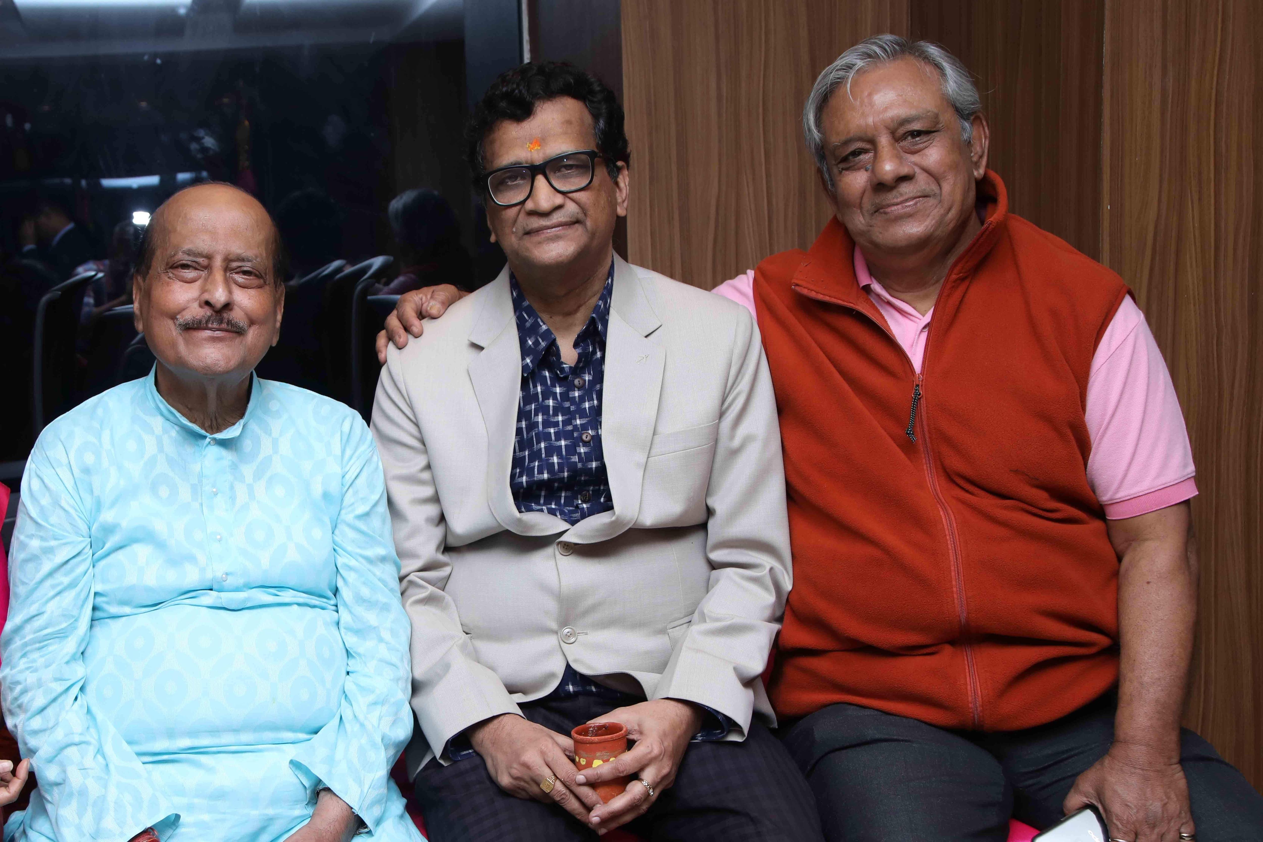 Sadhan_Pande,Goutam_De,Sumit_Roy