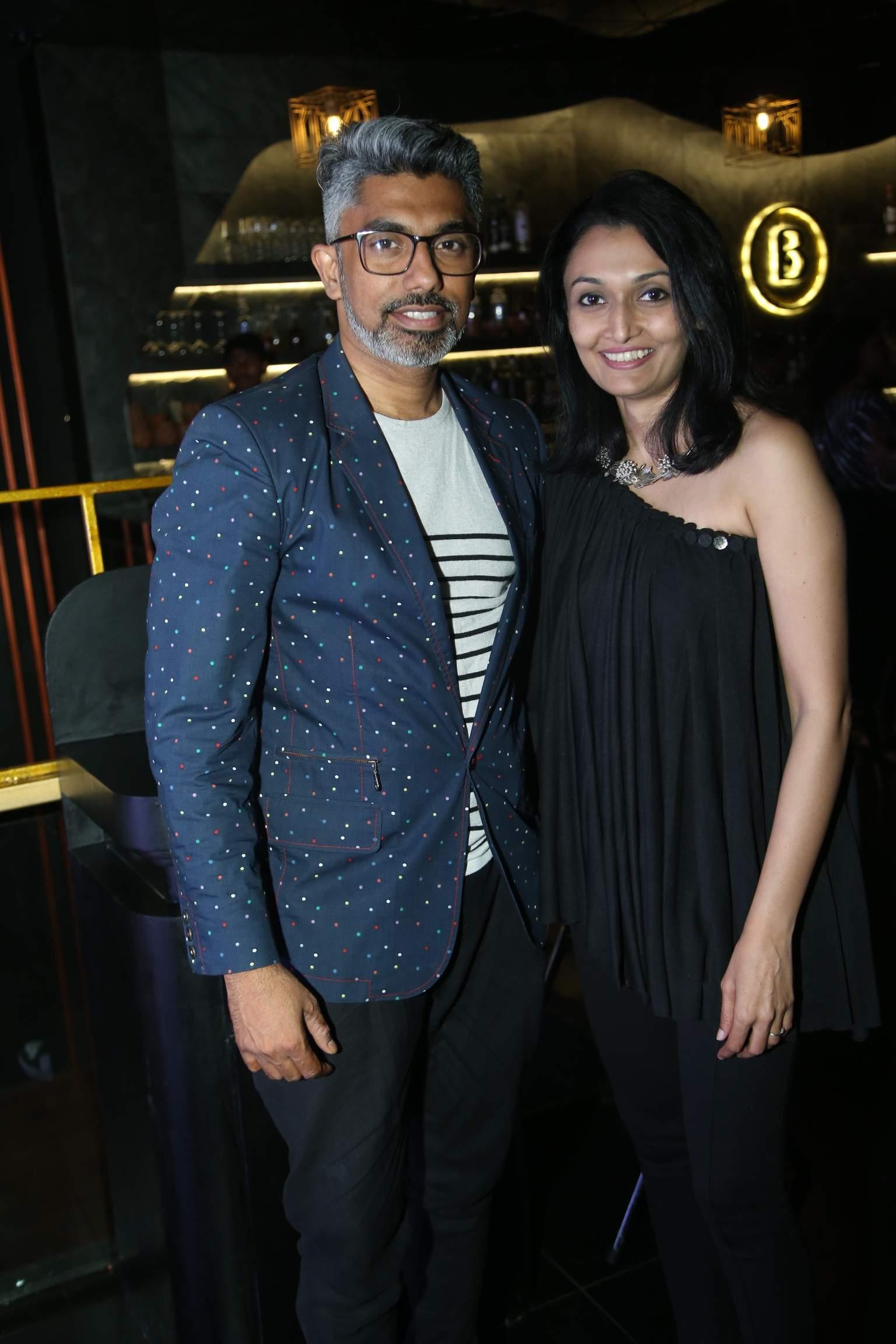 Vivek_Karunakaran_and_Shreya_(3)