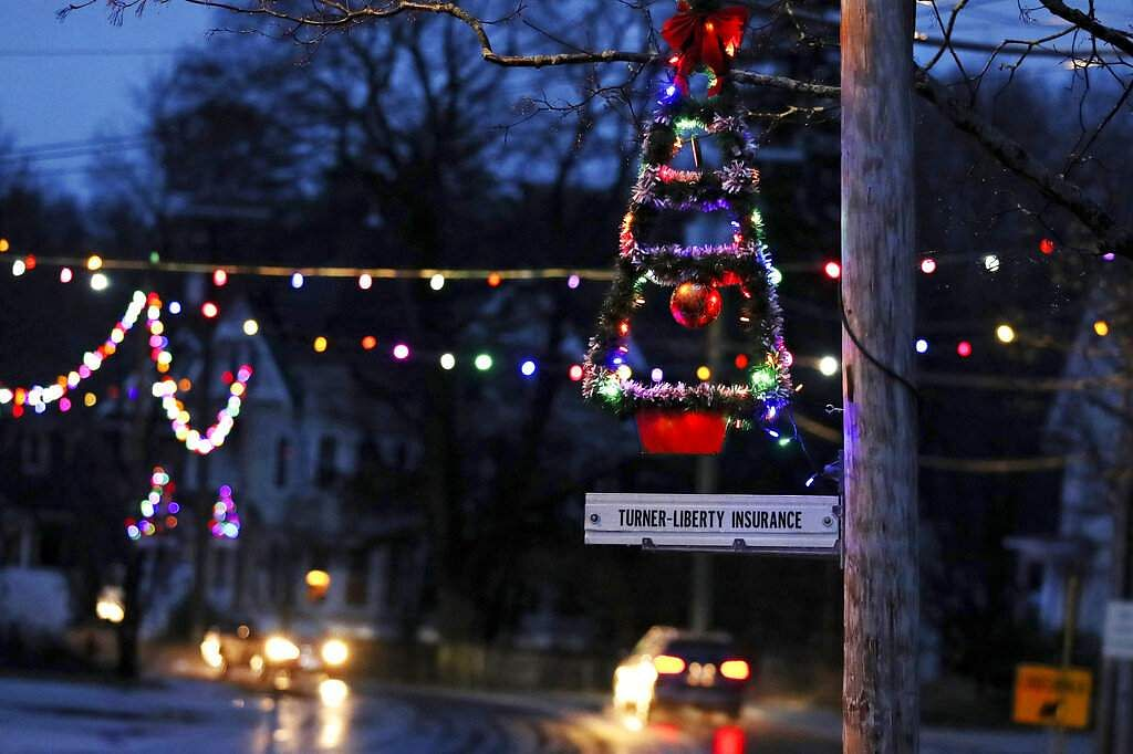 Holiday lights are going back up (AP Photo/Charles Krupa)