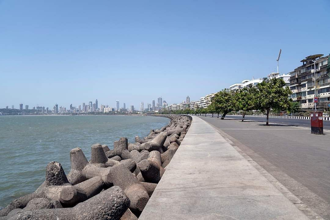 Mumbai: Marine Drive bears a deserted look during the nationwide lockdown to contain the spread of the coronavirus. (Photo: IANS)