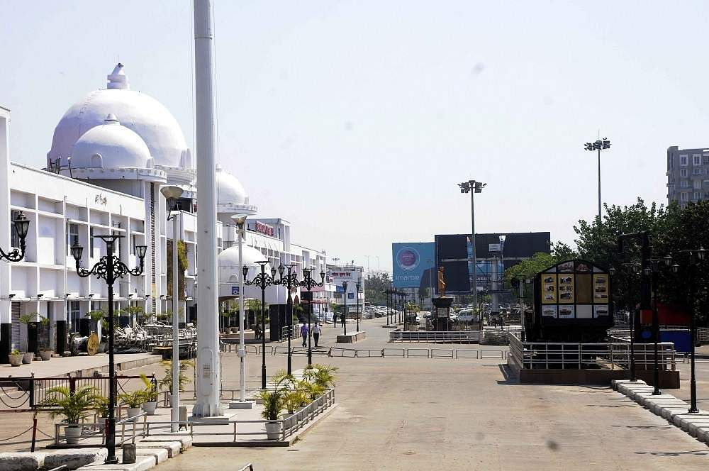 Patna: The Rajendra Nagar Terminal bears a deserted look during the complete nationwide lockdown to contain the coronavirus pandemic. (Photo: IANS)